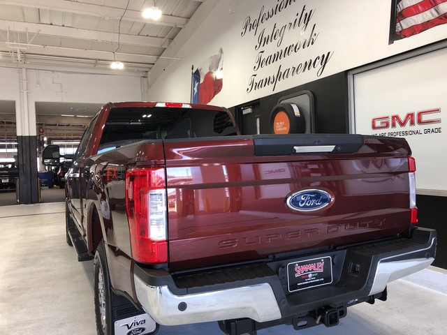 Pre-Owned 2017 Ford Super Duty F-250 SRW Lariat 4WD
